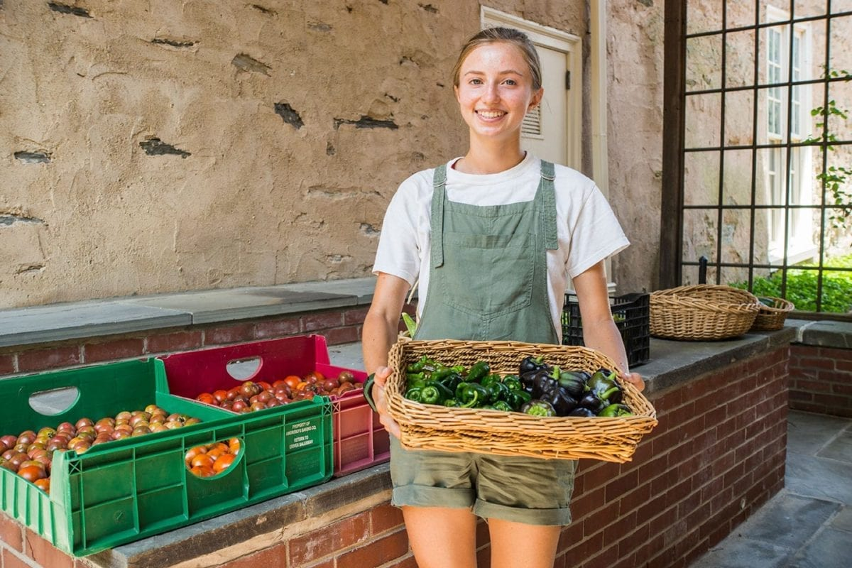 CLUB LIFE: Food Co-op Makes Sure That Delighting Your Taste Buds Doesn't Have to Break the Bank